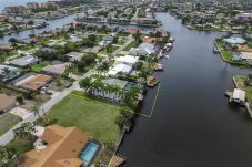 House in Cape Coral - HEAVENLY COASTAL