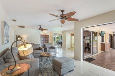 House in Cape Coral - PINEAPPLE COTTAGE