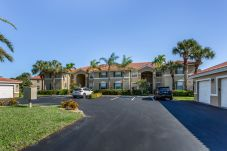 Condominium in Naples - THE HUNTINGTON