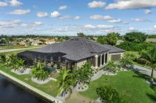 House in Cape Coral - VILLA COURTYARD